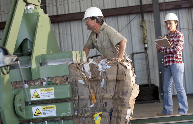 Comment améliorer les conditions de travail dans la filière des déchets ?